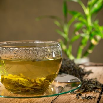 How to strain tea without a strainer